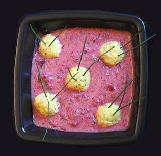 Minestra di rape rosse con gnocchetti di tofu