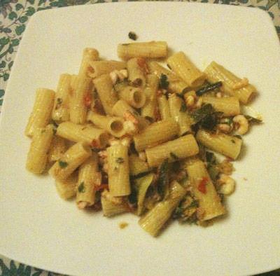 Penne tonno,  gamberetti e zucchine