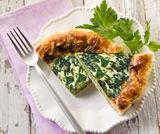Torta salata spinaci, scamorza e crescenza