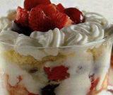 Coppe di yogurt amarene e fragole