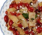 Pasta con tonno, ricotta  romana e pomodorini