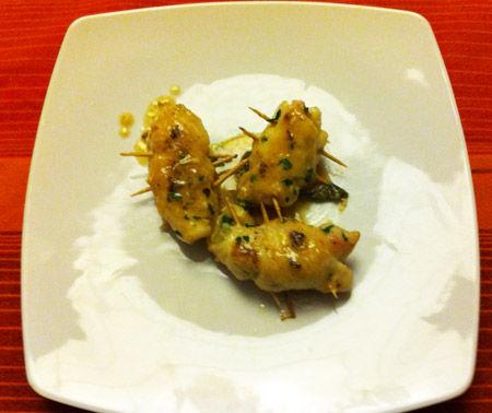 Involtini di pollo con prosciutto e olive