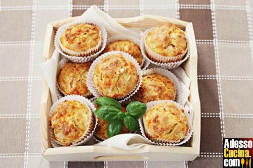 Muffin salati con farcitura al formaggio