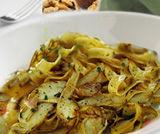 Tagliatelle ai carciofi con gocce di gorgonzola
