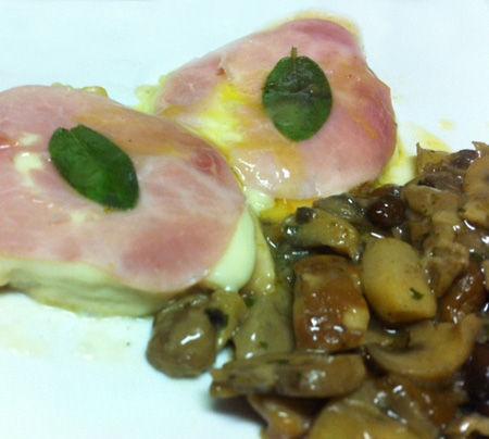 Scaloppine di pollo con fontina e prosciutto