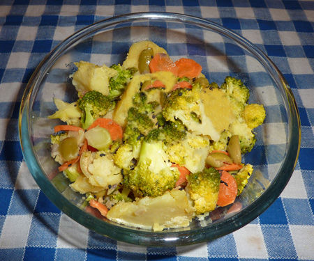 Insalata di patate e broccolo alle erbe provenzali