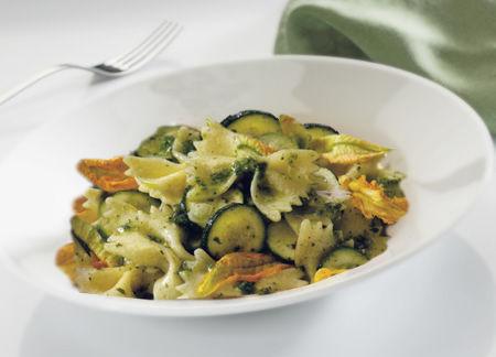 Farfalle zucchine e pesto