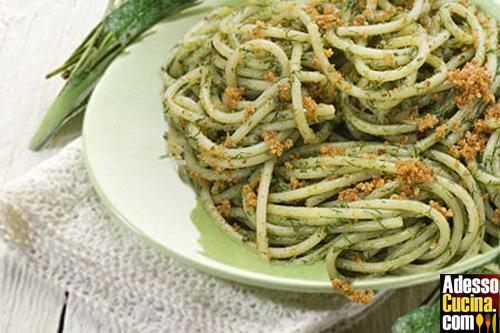 Spaghetti con finocchietto e acciughe