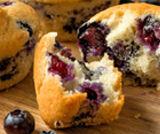 Muffin ipocalorici alla banana e mirtilli