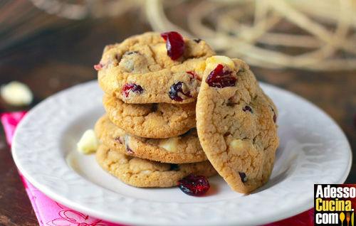 Cookies ipocalorici al cioccolato bianco e mirtilli rossi - Ricetta