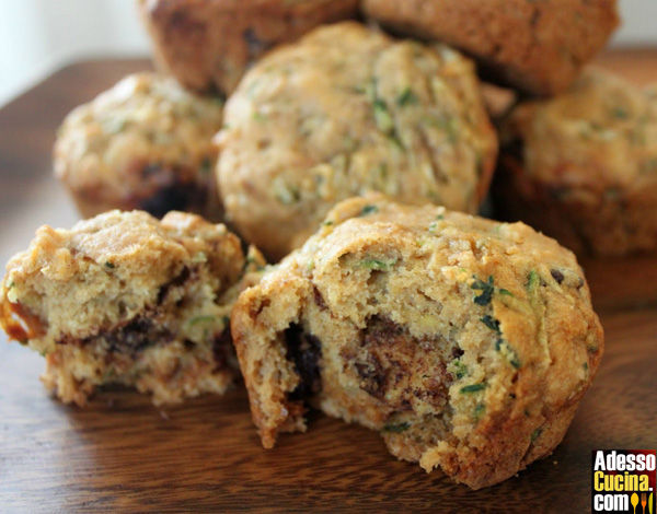 Muffins dolci con zucchine e uvetta