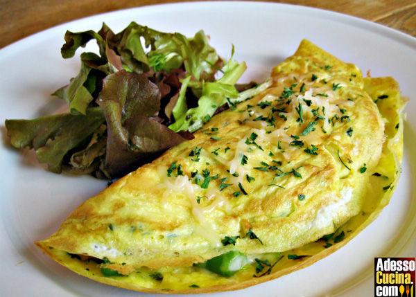Omelette con asparagi e carciofi