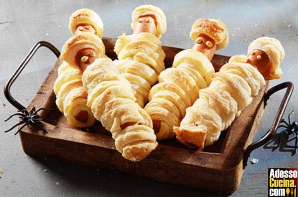 Mummie di wurtel avvolte da pasta sfoglia