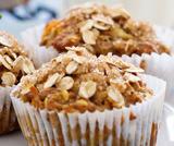 Muffin alle banane, mirtilli, mele e fiocchi di avena