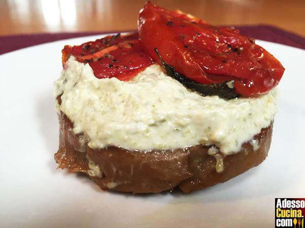 Hamburger di seitan con salsa tartara di soia e pomodori confit