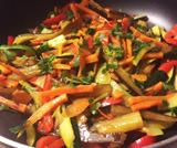 Verdure in padella saltate con soia e zenzero