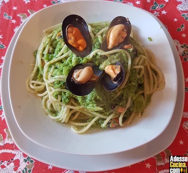Spaghetti con crema di cime di rapa e cozze