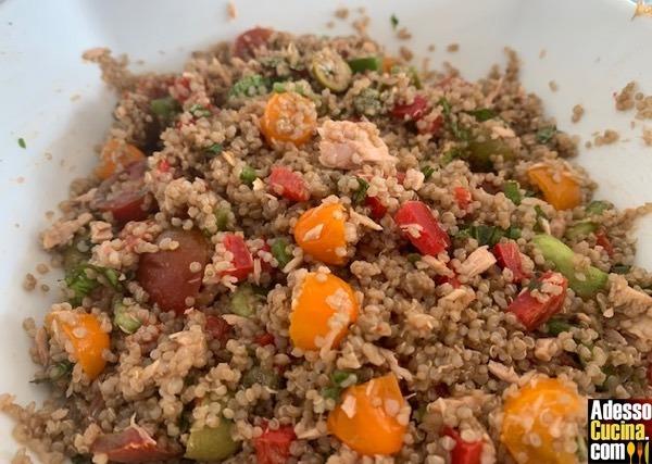Insalata fredda di quinoa verdure e tonno - Ricetta