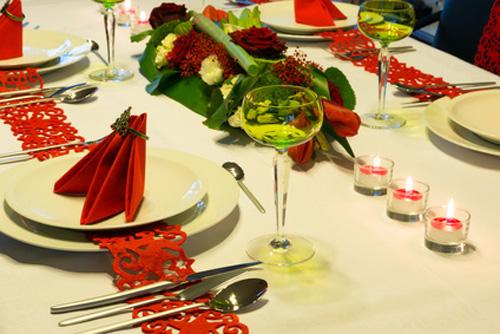 La tavola delle feste speciale tavola di natale - Disposizione bicchieri a tavola ...
